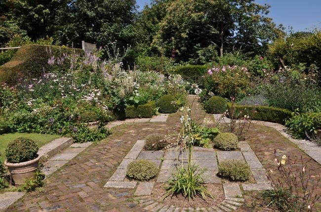 jardin Valérianes 3.jpg