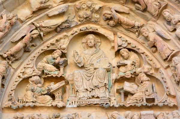 abbaye-de-Fleury tympan.jpg