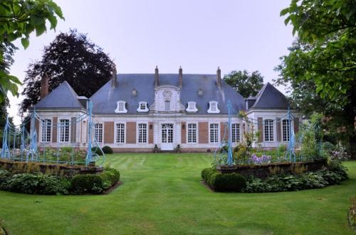 maizicourt.jpg