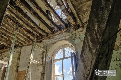 vue-interieures-hdr-deux-etages-chateau-bonnelles.jpg